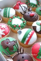Christmas Cupcakes by Verusca