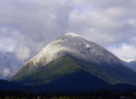 Mountain Close-up 2 by CoFFeeZomBee