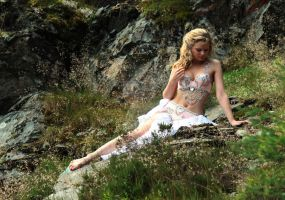 Belly Dance Pose by lucyparryphotography