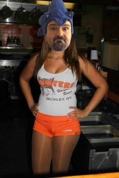 DarkSydePhil working at hooters by mariogodzilla77865