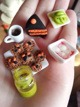 Miniature Halloween Food by kirstipoo
