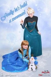 Anna and Elsa of Arendelle (Frozen) by Saleia-Marlin