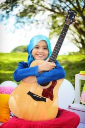 NAJWA LATIF and Guitar by GERILA