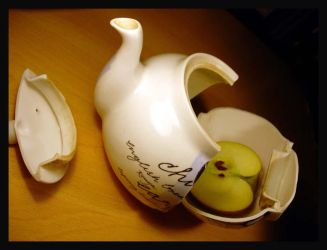 Eve's teapot by BurntheBarbies