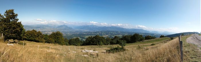 Foothills of the Alps by nebelkerze