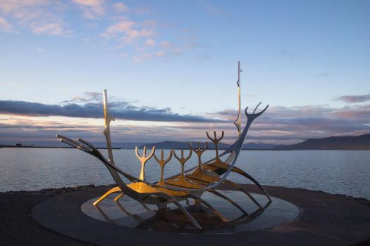 Sun Voyager by pijnapple