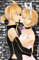 Len and Rin Kagamines by succuren