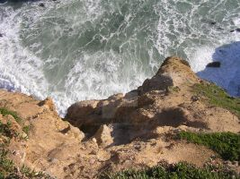 California Cliff Churning Waters by seancfinnigan