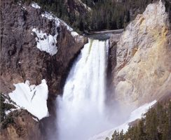 YellowStone Upper Falls by lantairvlea