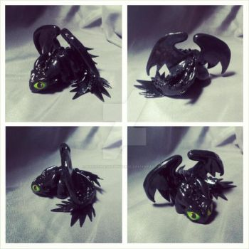 How to Train your Dragon: TOOTHLESS by KarolinaSkaUniverse