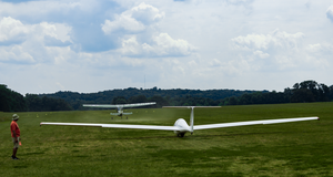 Glider by AaronMk