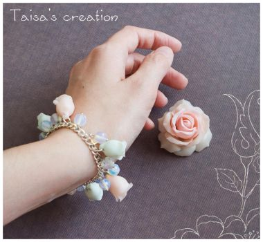 Sweet Roses Brooch and Bracelet Set by Taisa-Winged