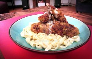 Breaded veal, pasta with Roquefort sauce by Drac0ntias