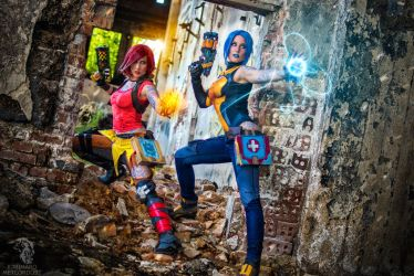 Maya and Lilith Cosplay Borderlands 2 by Evil-Siren