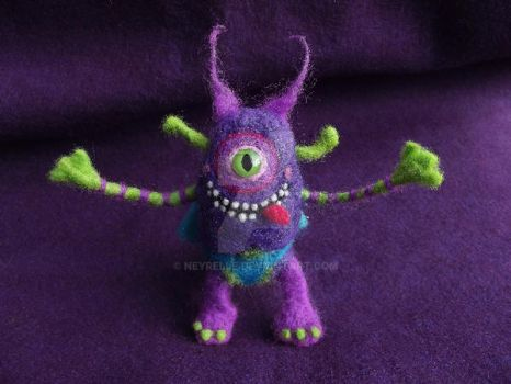 Felted silly monster 2 by Neyrelle
