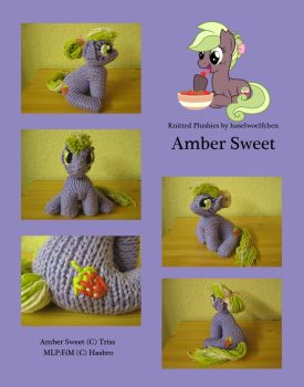 Knitted Plushies - Amber Sweet (OC) by haselwoelfchen