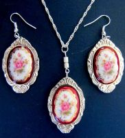 Upcycled Pendant. Earrings. by lousephyr