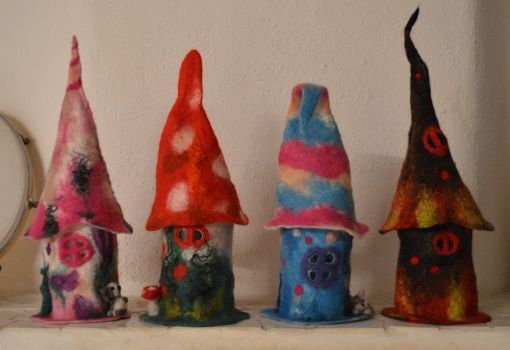 Little felted  houses by Frollino