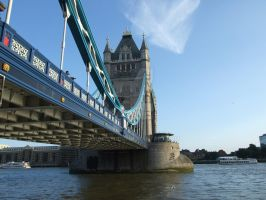 Tower Bridge by MairStudio