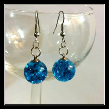 cracked glass earrings by Desolo-Amour