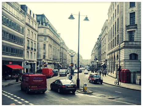 Oxfordstreet - London 2006 by SabotazZ