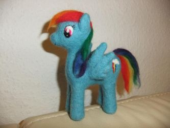 felted Rainbow Dash Plushie by chris-chan