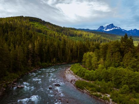 Around the bend: The Sauk and Glacier Peak by PNWDronetography