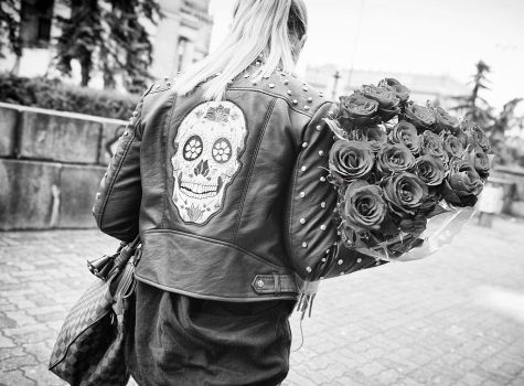 Skull and Roses by sandas04