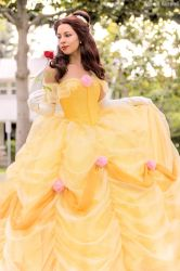 Princess Belle by MomoKurumi