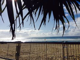 Surfers Paradise by dclee