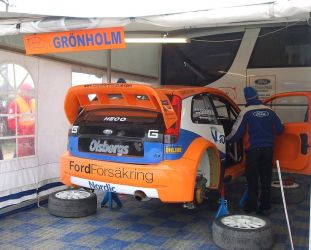 Gronholms car in service park by kr3g0th-lady