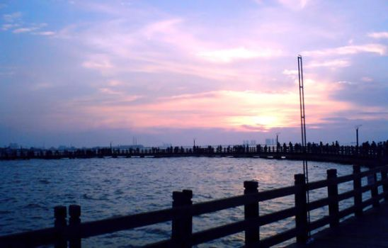 sun set in Ancol by melimey