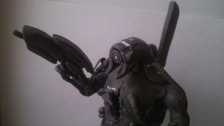 ME 2-3 Legion Miniature Statue (5) by zhe-holti