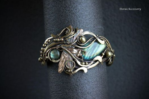 Brass bracelet with labradorite Dragonfly by MDorothy