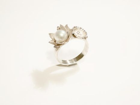 Silver flower ring by xNatje