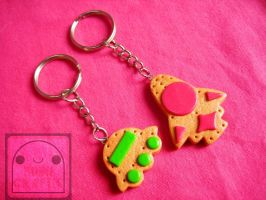 UFO and Space Shuttle Cookie Keychain Set by efeeha