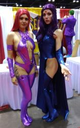 Megacon 2018 Raven and Starfire 2 by kingofthedededes73
