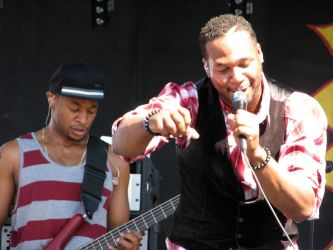 Robert Randolph and the Family Band by zannapic