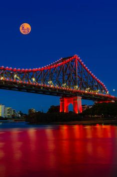 Bad moon over Brisbane by White-Voodoo
