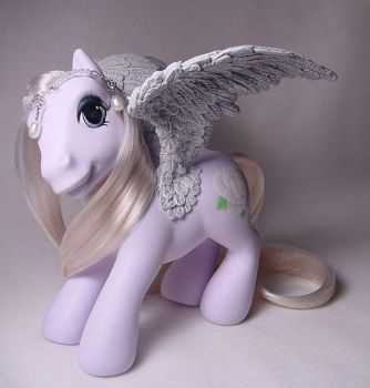 White Rose pegasus pony by Woosie