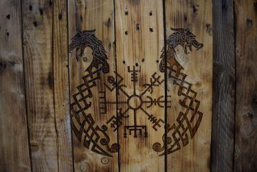Drakkar and Vegvisir by Envorenn