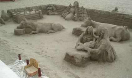 Amazing things made of sand 2 by Magrat90