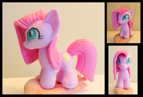 Pinkamini Diane Pie by fireflytwinkletoes
