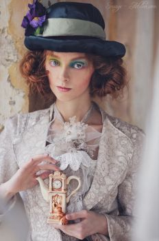 Mad Hatter by antiquecameo