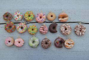 ALOT of donuts.. :3 by SolenGV