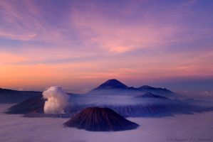 Kawah Bromo by Dark-Raptor