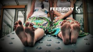 Barefoot Twins Sisters and The City #1  BY FEE by bocukom