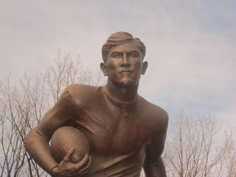 Jim Thorpe FB Statue Front by kdawg7736