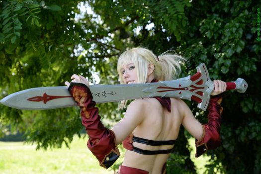 Mordred Saber Fate Apocrypha cosplay by DrosselTira