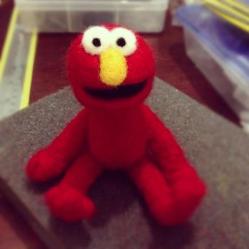 Needle Felting: Elmo by Avi-Ayuni